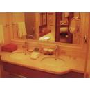 Waschbecken und Spiegel 800000004800